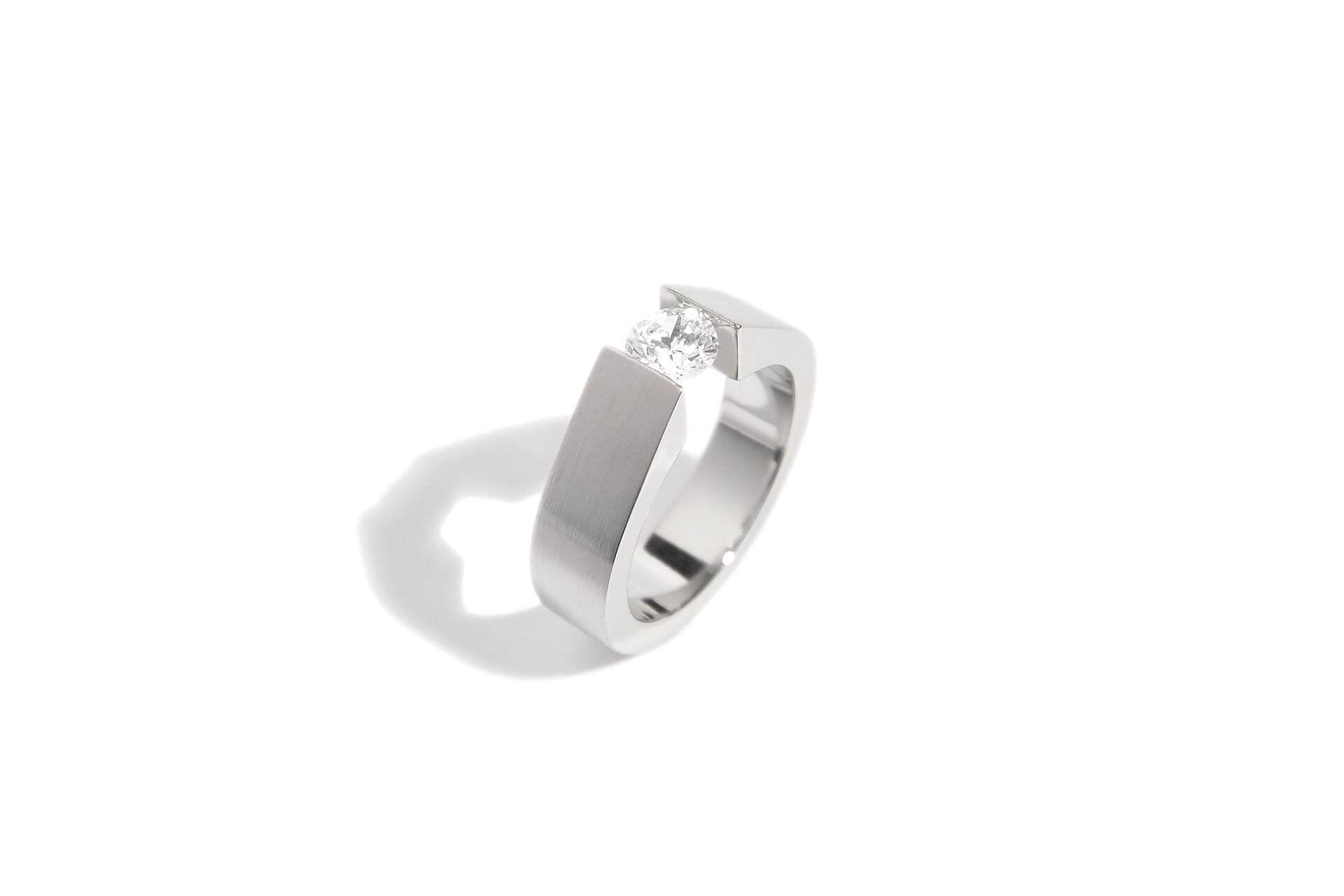 steel and diamond tension ring ER 9 004
