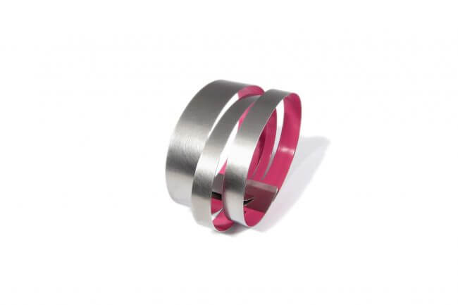 Claudia Hoppe stainless steel bracelet with pink lacquer