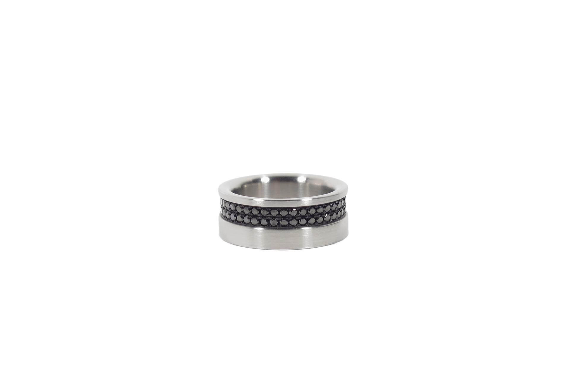 Stainless steel ring with 86 black diamonds. M.9.002