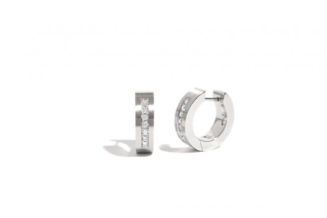 Stainless steel earrings with diamonds
