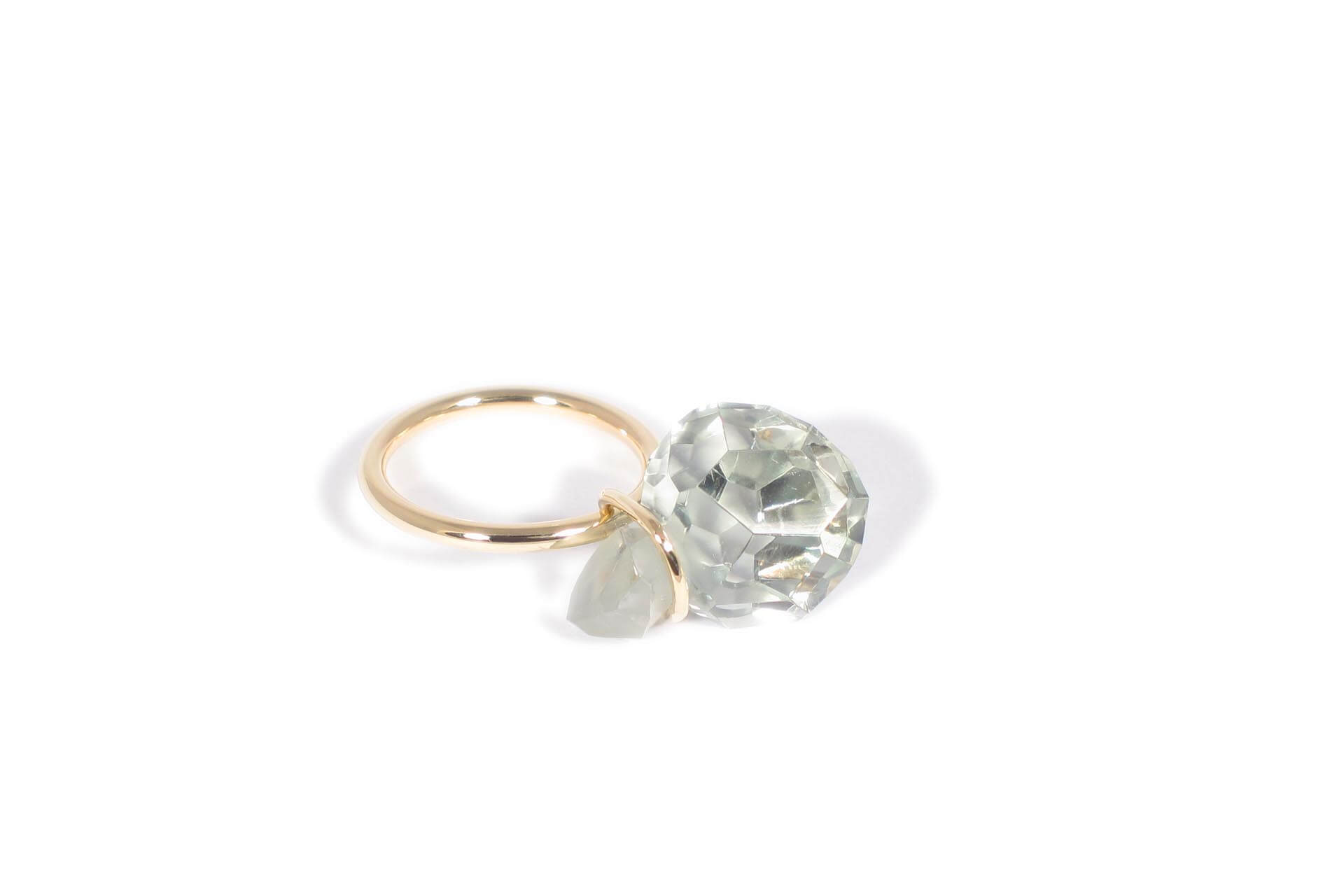 Annette Ehinger gold ring with a green amethyst
