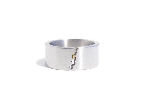 steel ring with crackle break