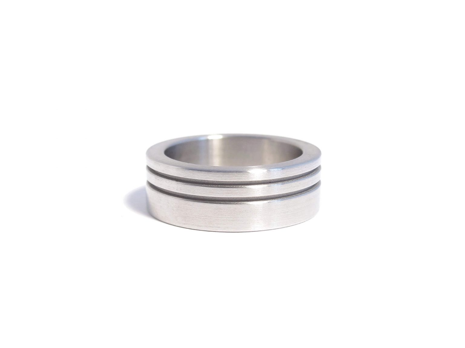 steel ring with lines