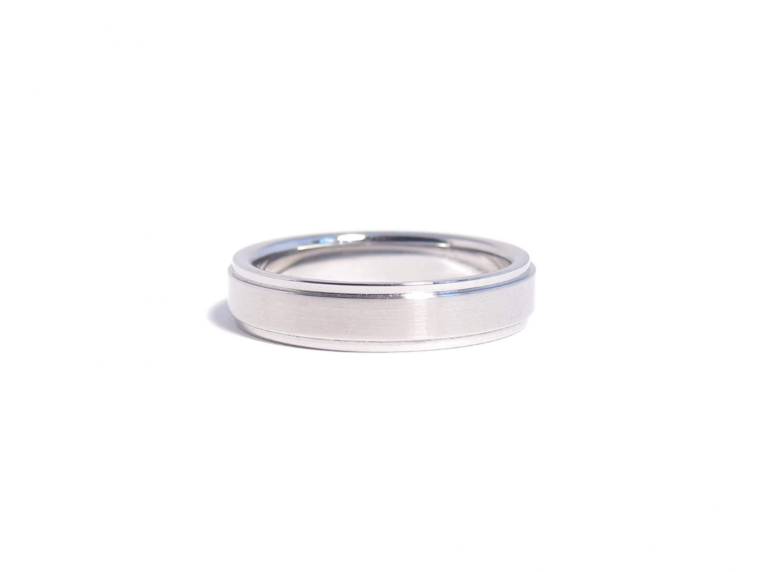 steel ridged ring