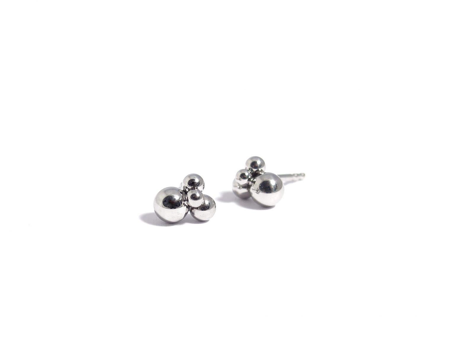 polished sphere earstuds